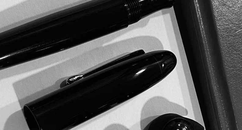 Vazir 2.0 Black Fountain Pen (12).jpeg