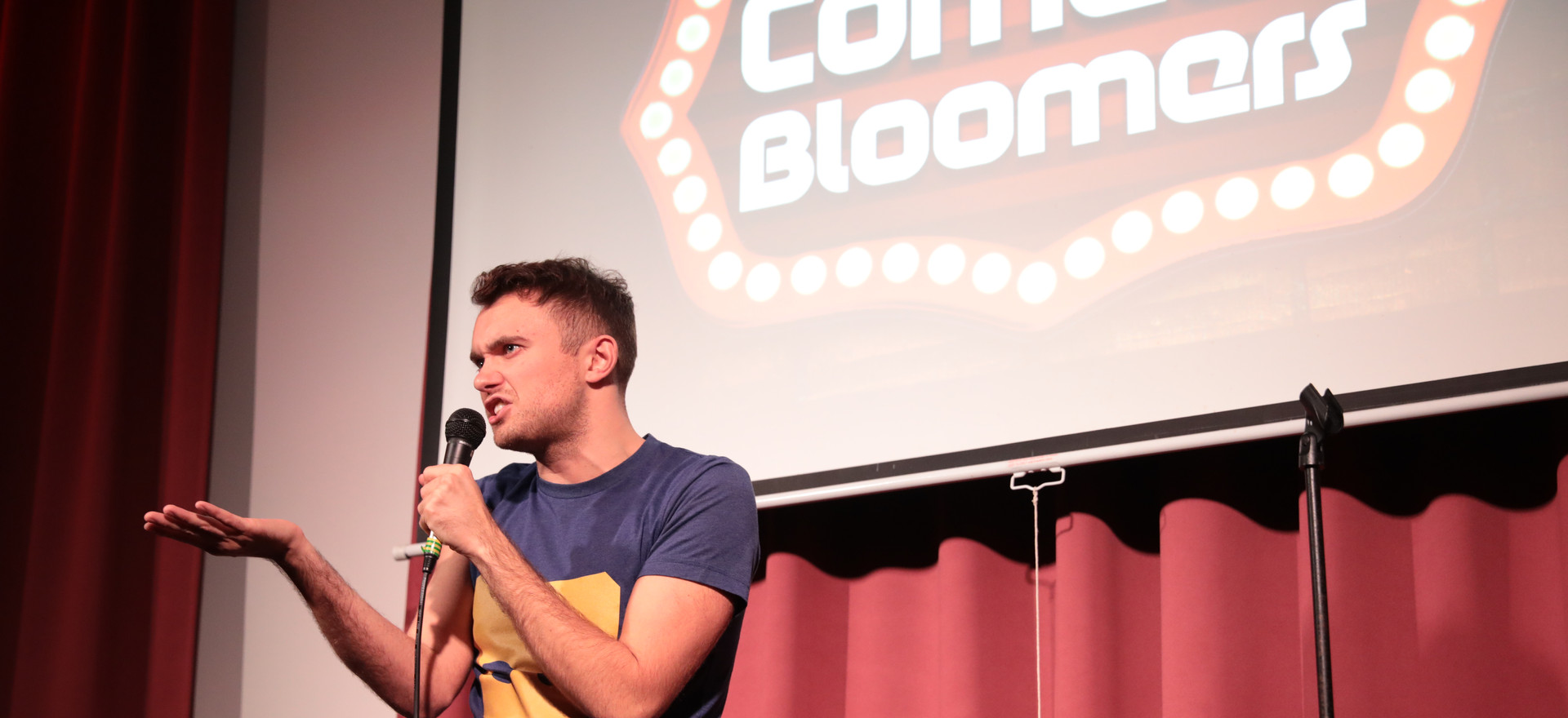 PAUL MOORE AT COMEDY BLOOMERS (2).JPG