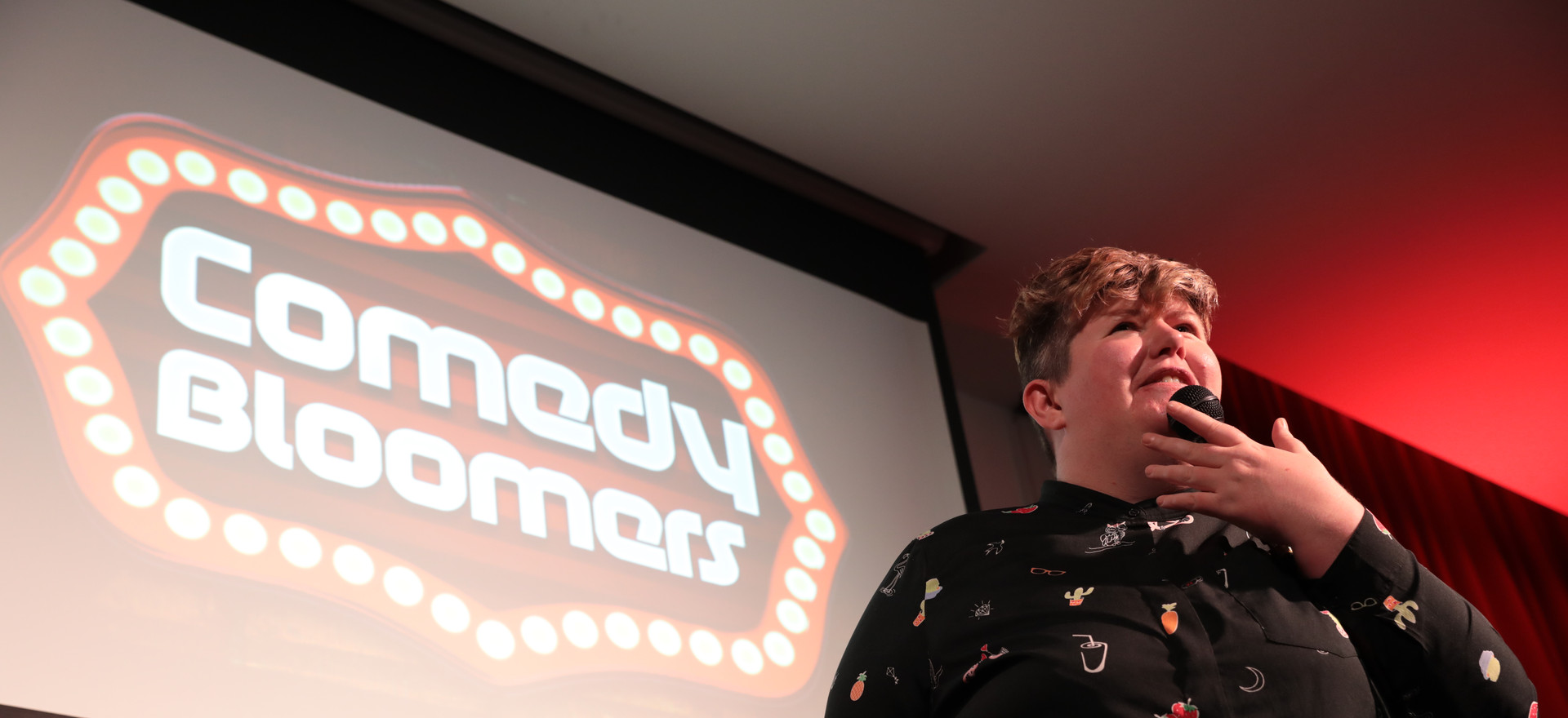 MADGE HOOKS AT COMEDY BLOOMERS (2).JPG