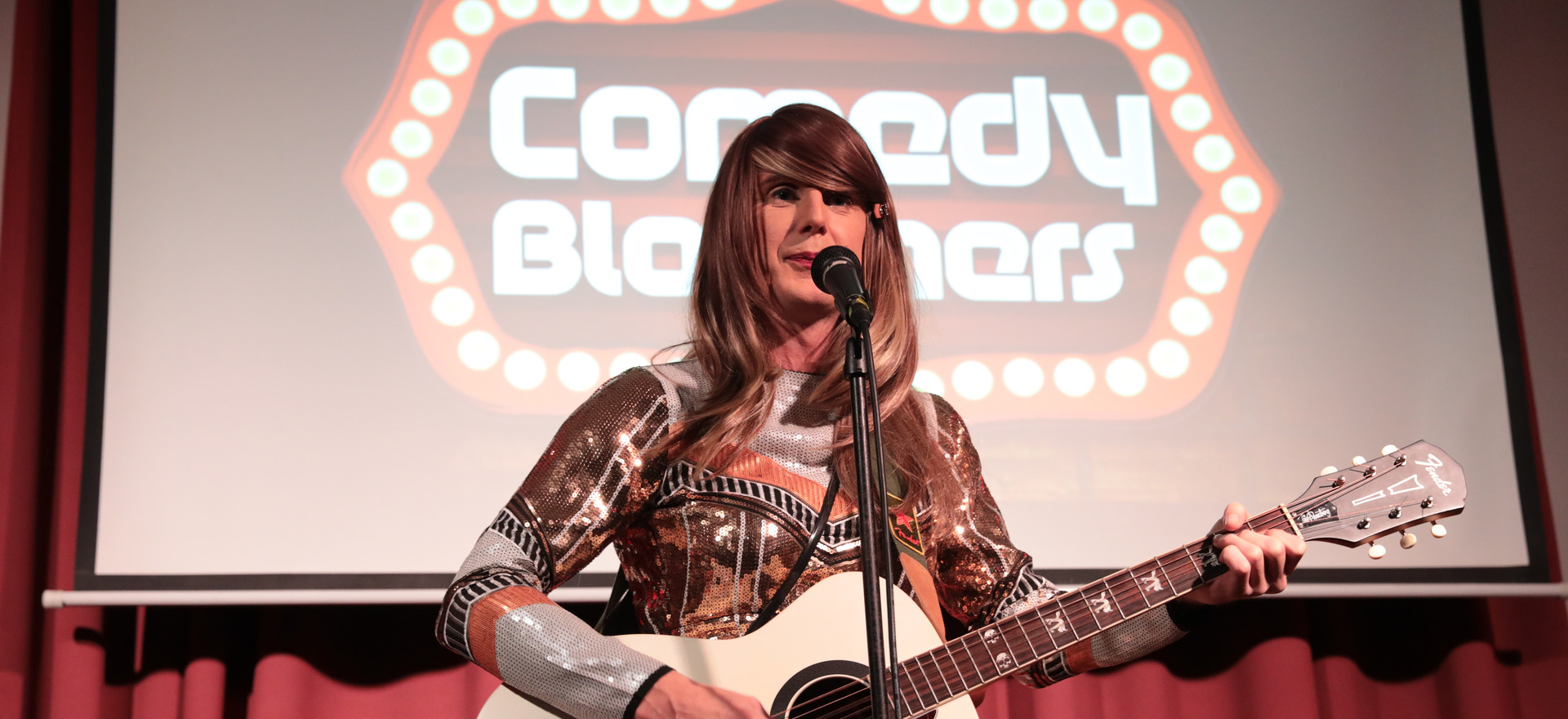 JENNY BSIDE AT COMEDY BLOOMERS (2).JPG