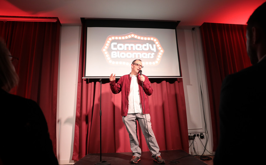 CHRIS SMITH AT COMEDY BLOOMERS (1).JPG