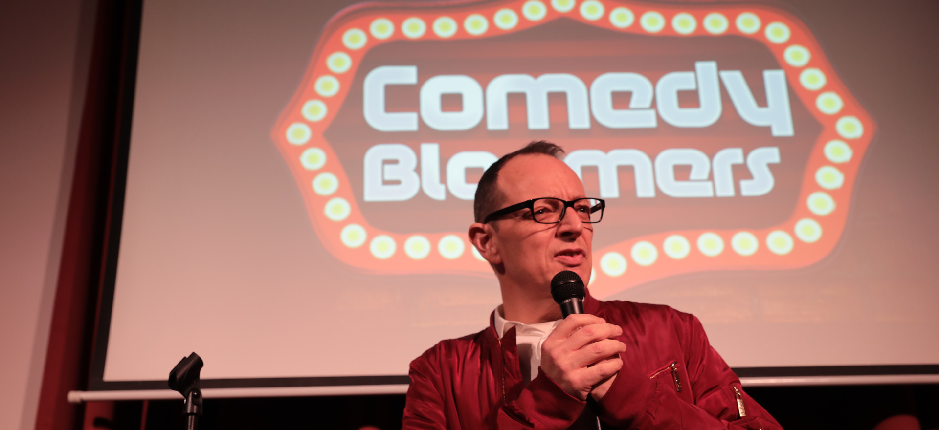CHRIS SMITH AT COMEDY BLOOMERS (4).JPG