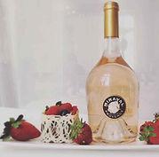 Eine Flasche Miraval Rosé