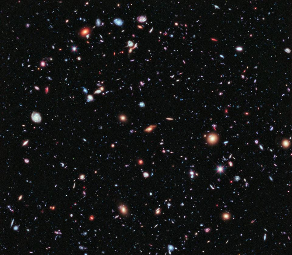 Image de l'univers profond prise par le télescope spatial Hubble en 2012. Image: NASA/APOD