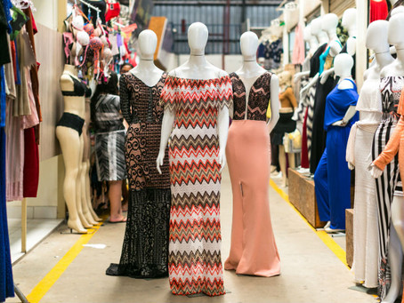 A roupa da moda: comprinhas na feira