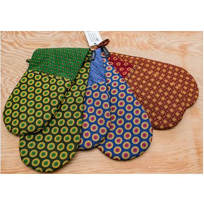 Shweshwe - Boundless, Oven Gloves