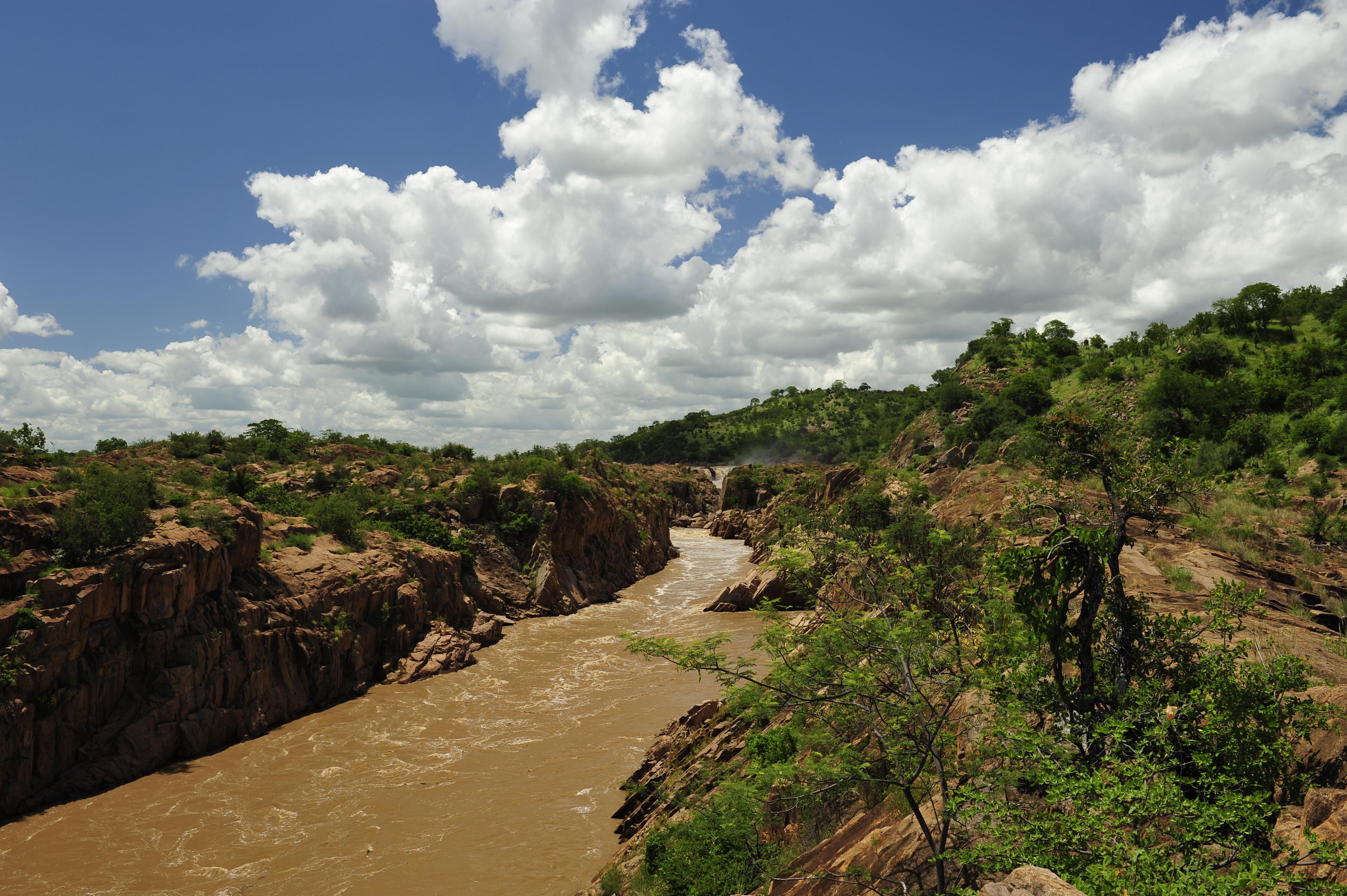 Chivilila Falls in February