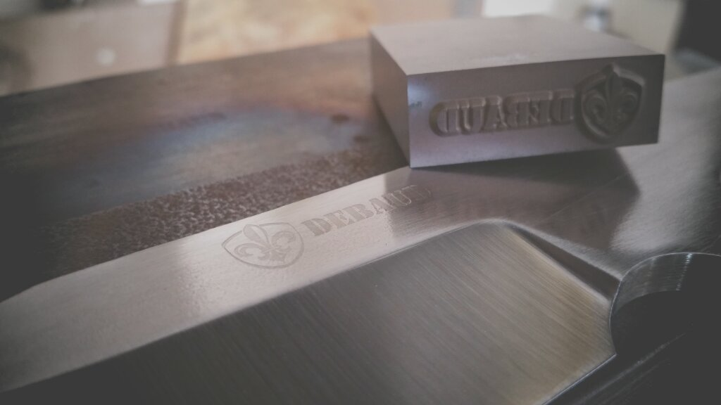 debaud blades knife stamp