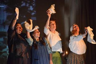 Emilie Cadiou dans le spectacle Il est des Lou de toutes sortes, Théâtre de l'Echappée Belle