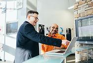 man-pointing-laptop-computer-2182981.jpg