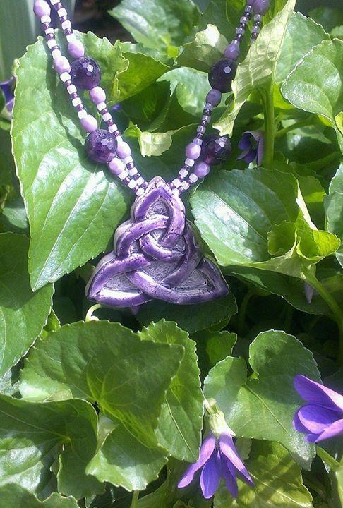 Facebook - Violet Celt Knot