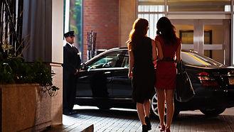 Valet bring th customer car