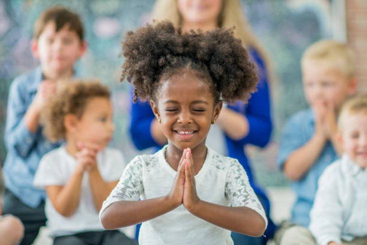 Kids Pray.jpeg