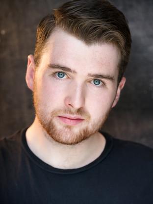 Benjamin Mowbray - Robert