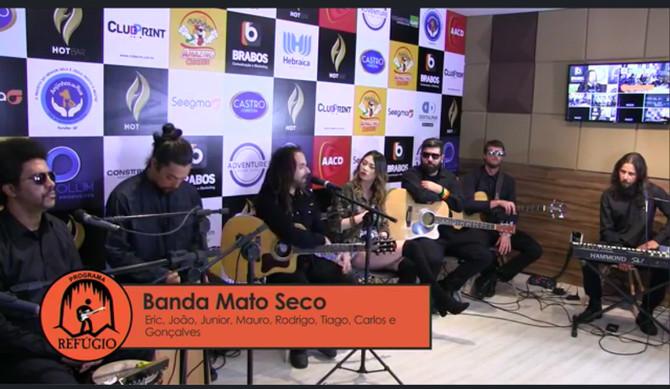 Banda Mato Seco da entrevista no Programa Refúgio na Rádio Exclusiva