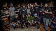 """Assista """"Levante Popular"""" clipe da Banda Mato Seco em parceria com o Rapper Rapadura"""