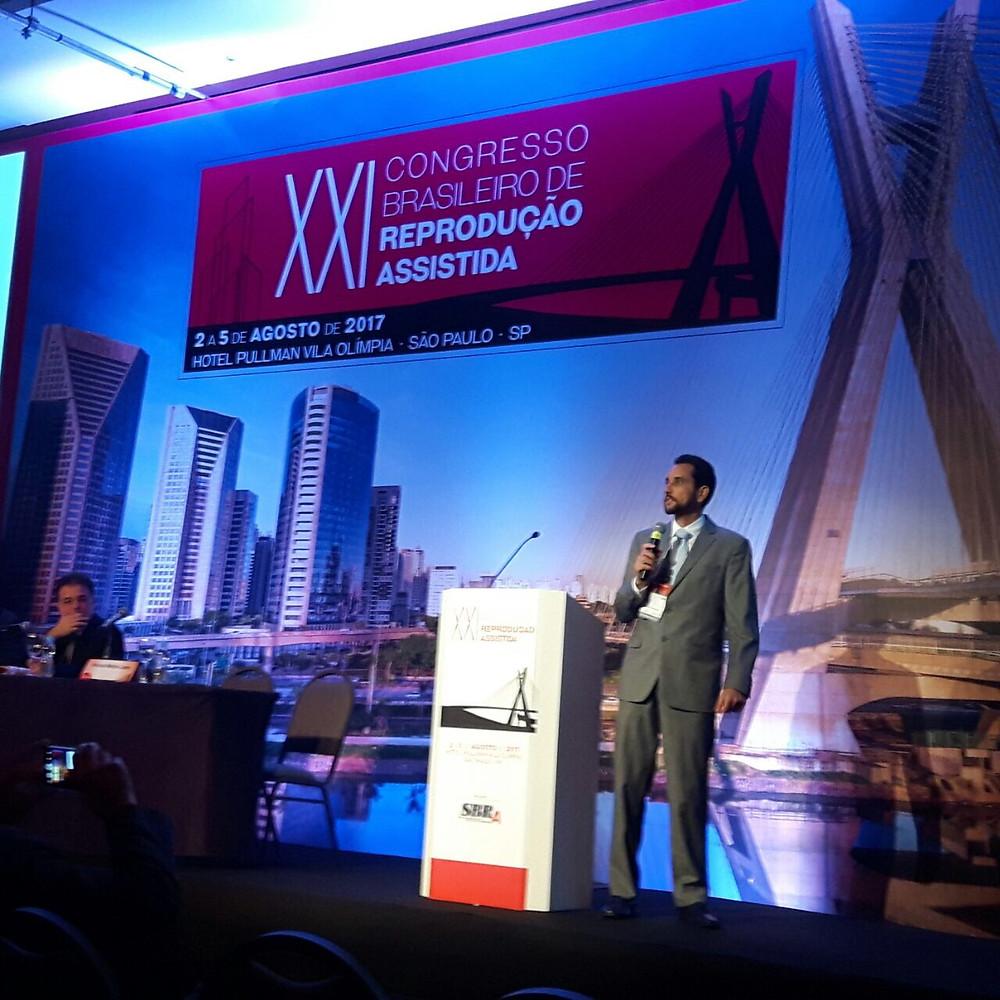 """Dr. Vinicius participa do XXI CBRA, em São Paulo, ministrando a aula """"falha de implantação embrionária""""."""