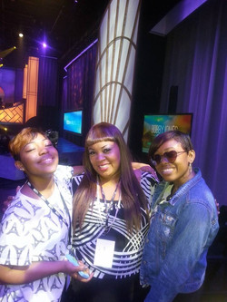 Ree & The Walls Group ladies
