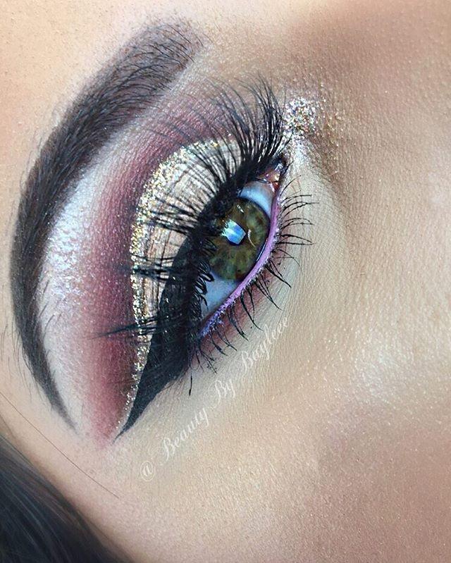 Rose gold glitter cut crease 🌹✨ EYES_ Modern Renaissance palette by _anastasiabeverlyhills • GLITTE