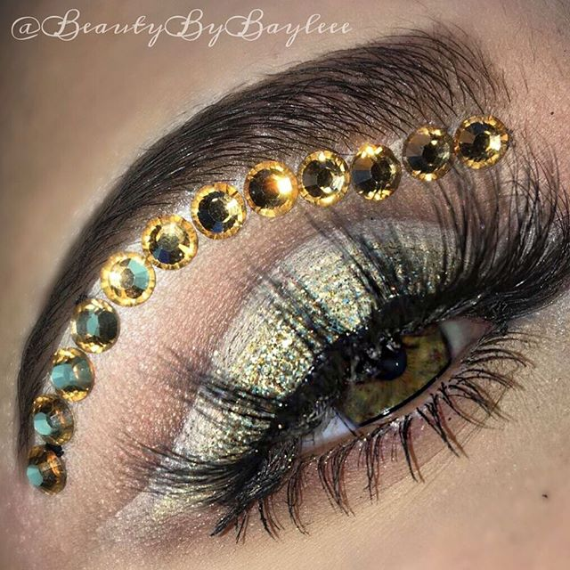 _A diamond is a chunk of coal that did well under pressure_ _Eyes_ POWER OF MAKEUP palette by _nikki