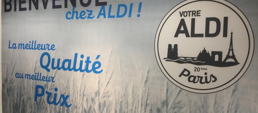 Kit signalétique adhésif mural dans un supermarché ALDI