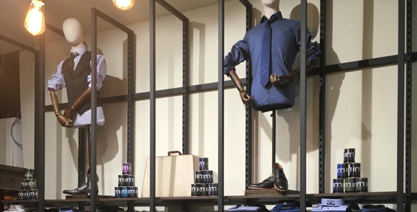 photo réalisation aménagement merchandising magasin de prêt à porter 25.52 à Nice - 2