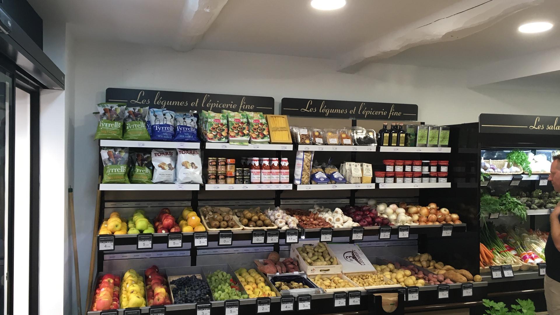 Mobilier de présentation fruits et legumes Laurent Primeur