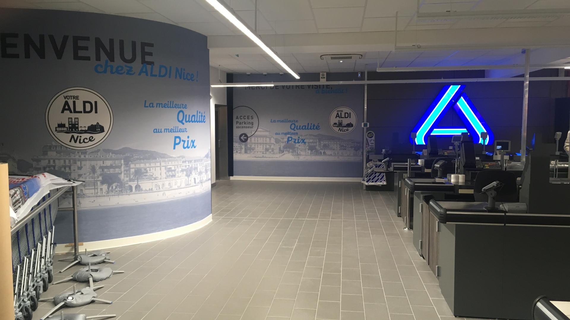 kit signalétique adhésive mural Zone de caisse accueil magasin dans un supermarché ALDI