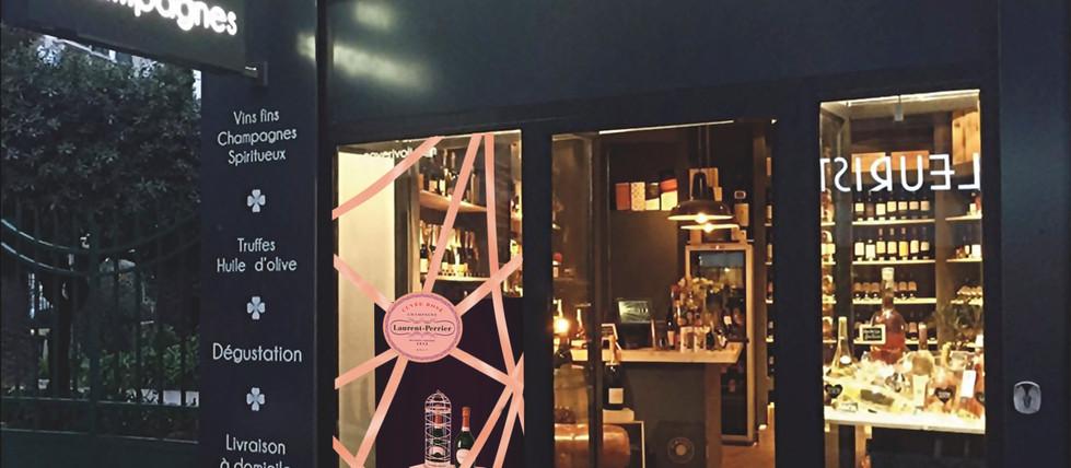 Réalisation vitrine Champagne Laurent Perrier