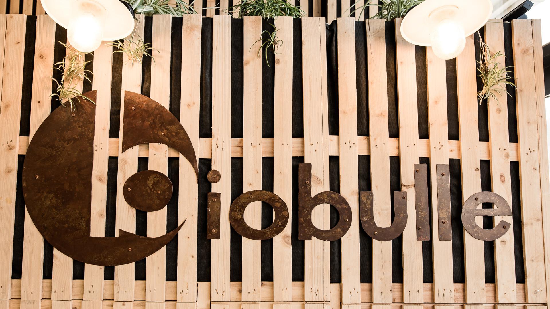 Logo enseigne bois