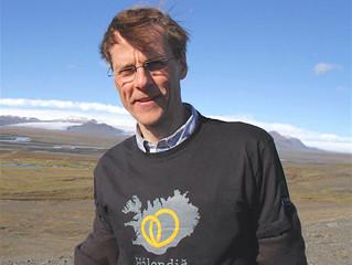Sr. Axel Á. Njarðvík messar á sjómannadag