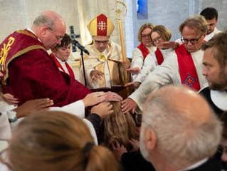 Prestsvígsla í Jerúsalem og hugmyndir um vinabiskupsdæmi