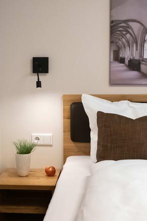 Room-12-DSC_4281-web.jpg