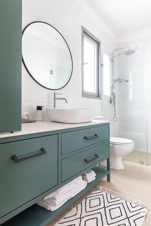 ארון אמבטייה מעוצב משדרג את מראה חדר הרחצה