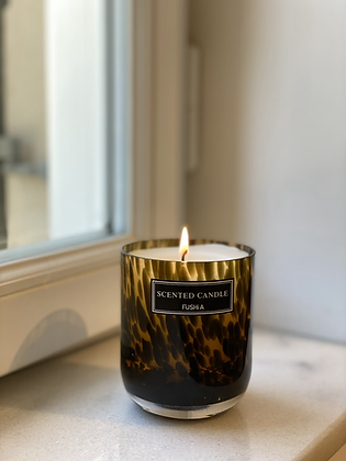 Spotted scented candle