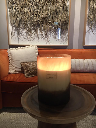 Luxurious  camel scented candle