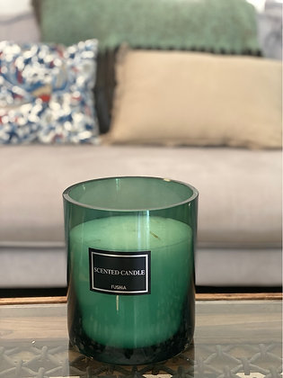 XL emerald color glass scented  candle. Height: 17cm  Q:15.5
