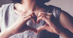 HeartHands_AdobeStock_287274946_crop_900