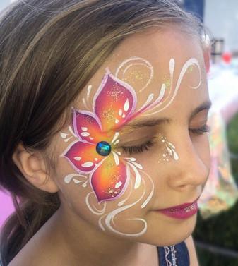 Side Flower Eye Design