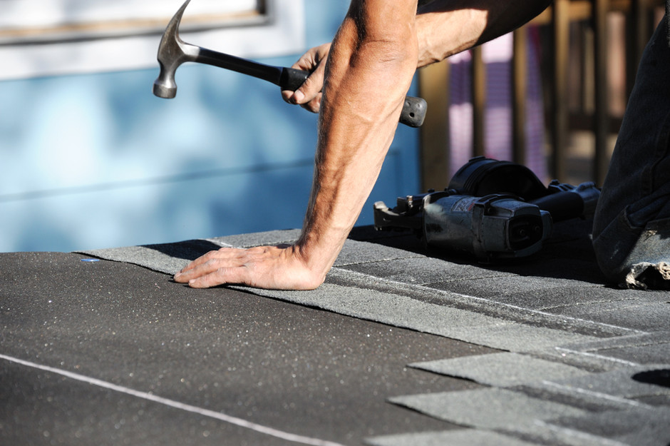 Why It's Important to Hire a Flat Roof Company to Fix Your Roof?
