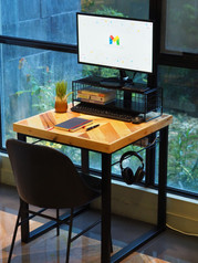Deskcape Manila
