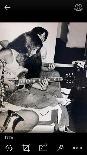 1976 band rehearsal Gibson es330