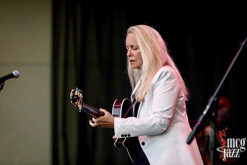 Pittsburgh: Benedetto Guitars/MCG Jazz concert Bambino Deluxe