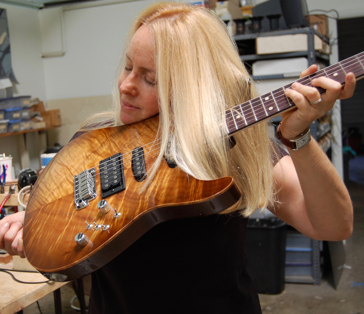 Checking out my new Tom Anderson Koa Hollow Droptop