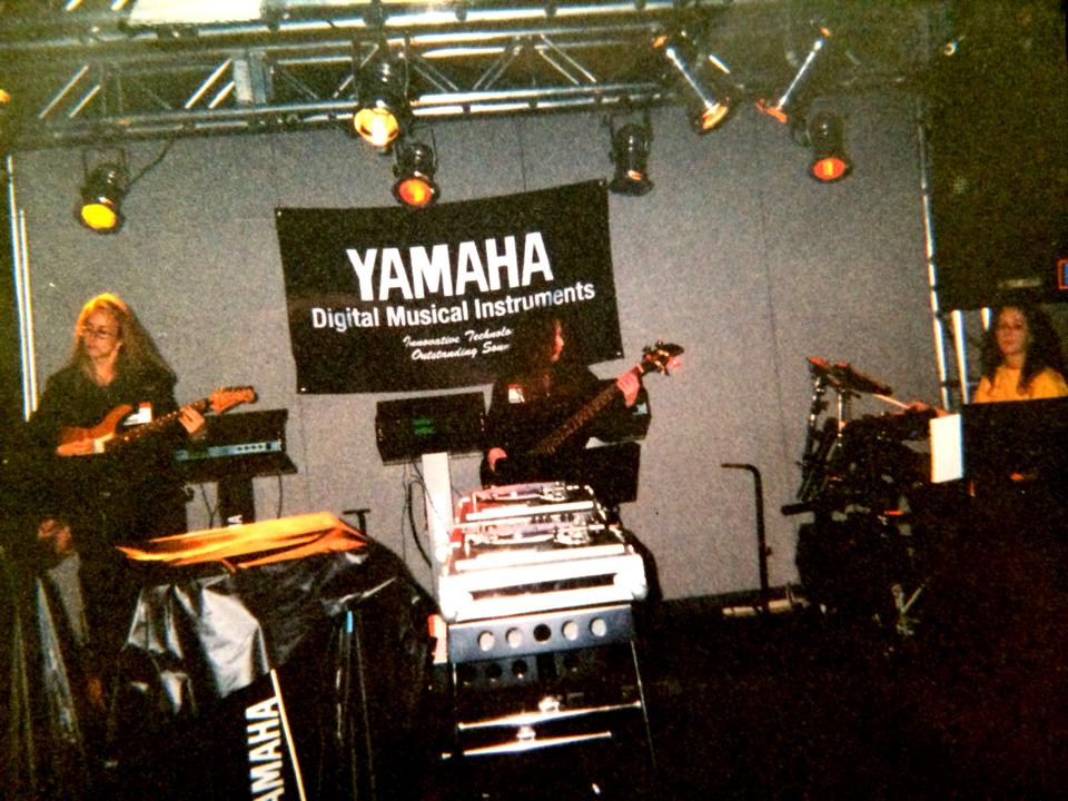 NAMM 1999 Yamaha MIDI guitar, Lynn Keller, Maria Martinez