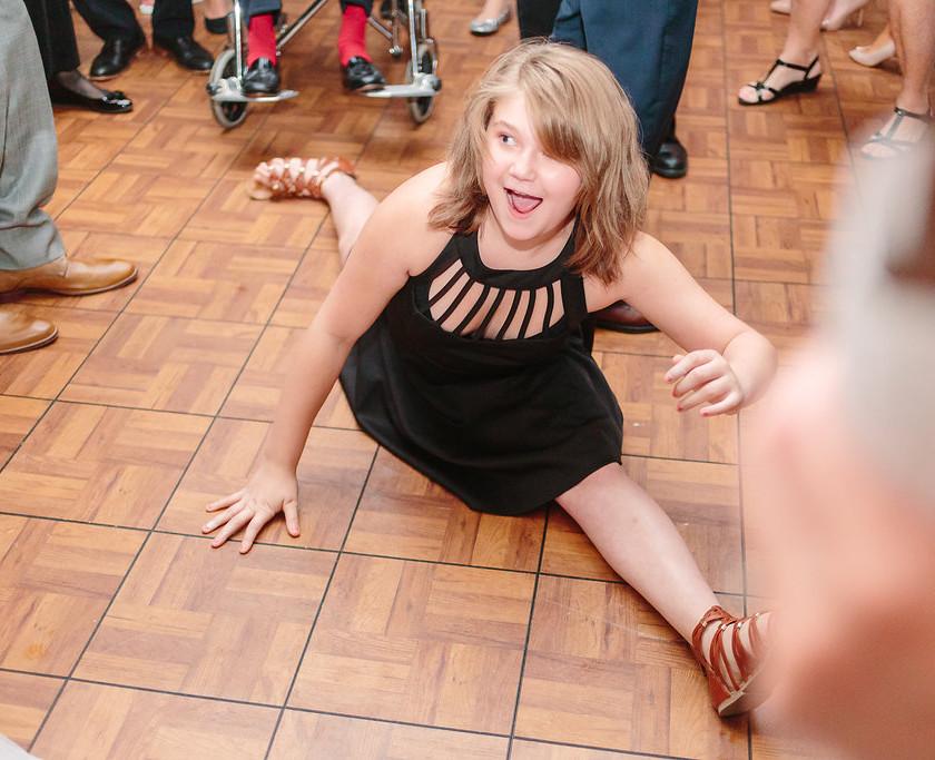 girl does split on dance floor