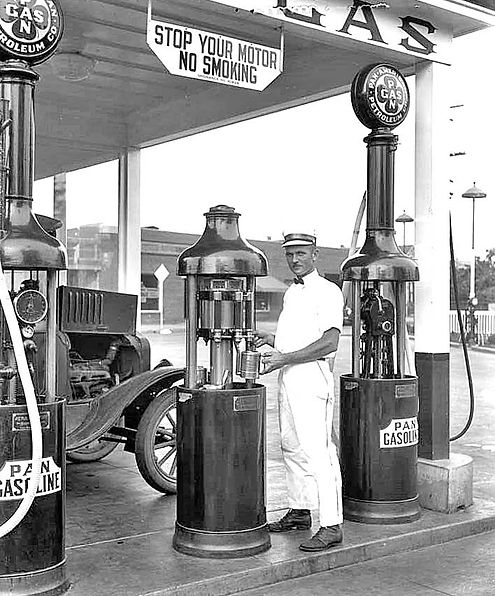 Pan-American filling station.jpg