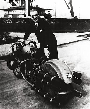 """Fritz von Opel with rocket motorcycle """"Monster"""" 1928"""
