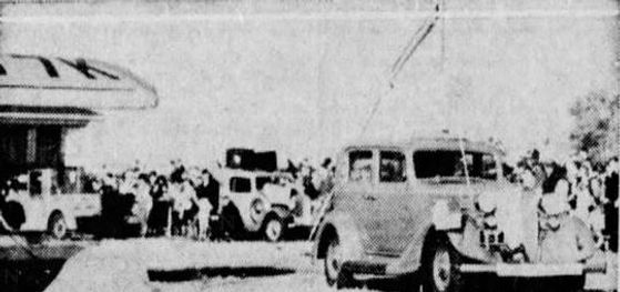 """Phantom Auto"" demonstration, Des Moines Register, Oct. 30, 1933 p14"