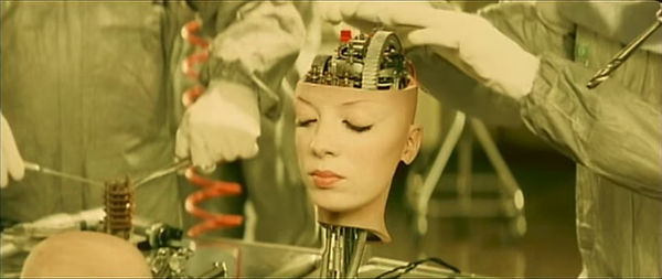 Shirley Manson, The World Is Not Enough video still